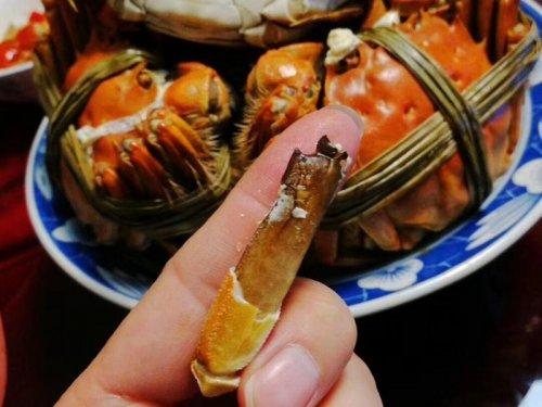 大闸蟹一天较多吃几个?