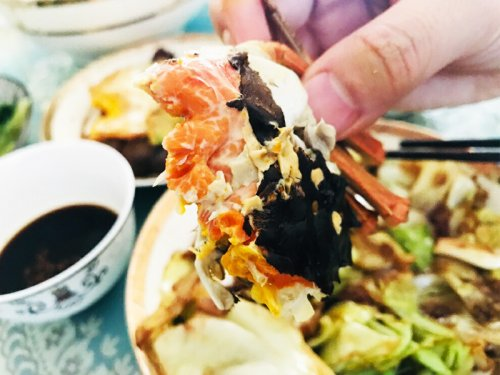 大闸蟹没熟透能吃吗