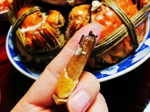 大闸蟹蟹腿怎么吃