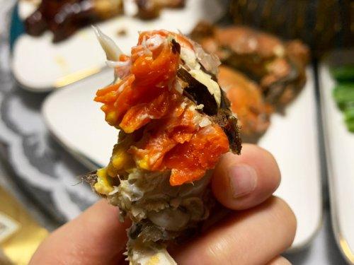 大闸蟹蟹黄黑色能吃吗