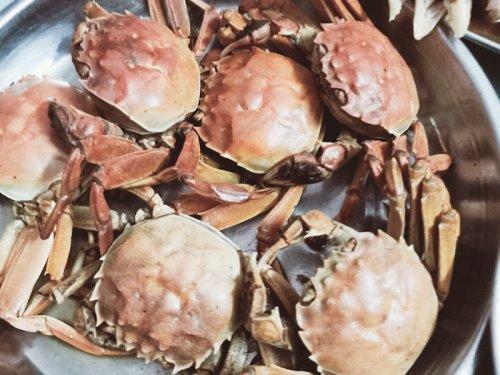 大闸蟹搭配什么一起吃