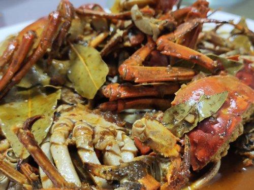 大闸蟹和黄酒一起吃吗