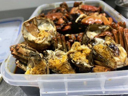 菠萝蜜和大闸蟹可以一起吃吗