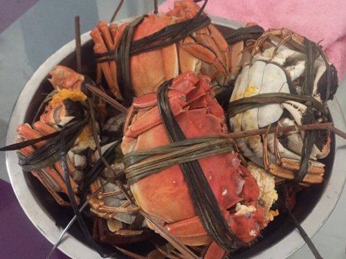 大闸蟹和茄子可以一起吃吗