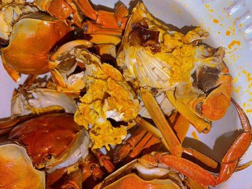 第一个吃螃蟹的人是谁