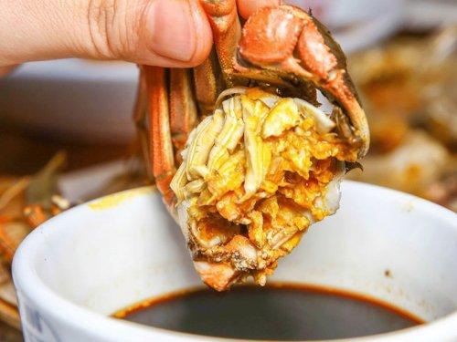 吃大闸蟹蘸醋还是酱油