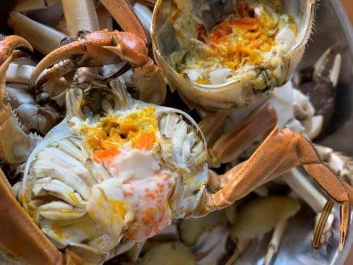 大闸蟹和柚子能一起吃吗